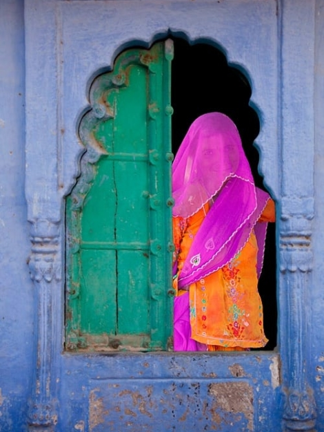 veiled-woman-in-a-window-jodhpur-rajasthan-india